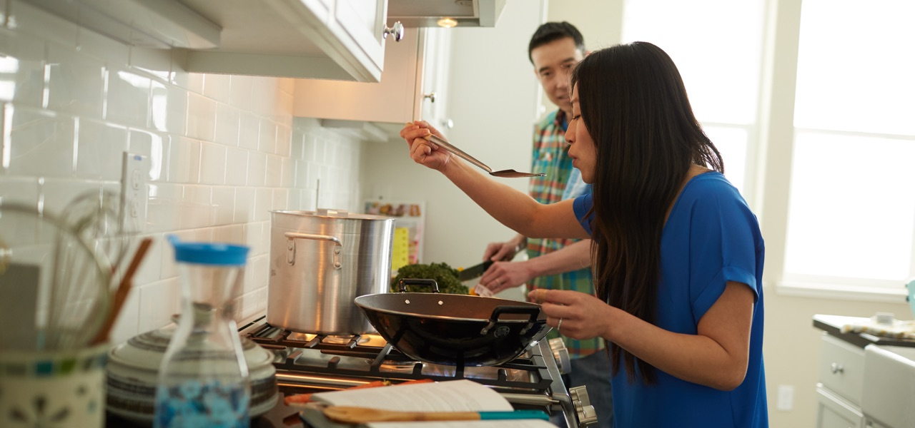 Ways to save energy when you cook